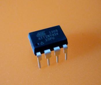 Atmel ATTiny45V-10PU
