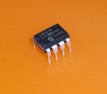 Mircochip PIC12F675-I/P