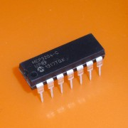 MCP3204-CI/P